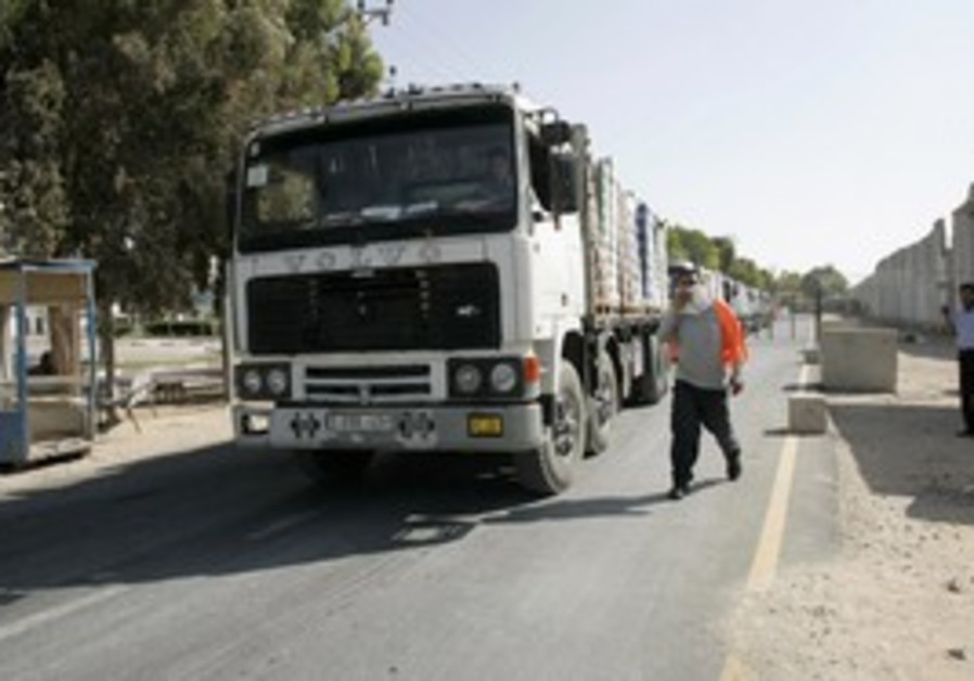Trucks enter the Gaza Stri