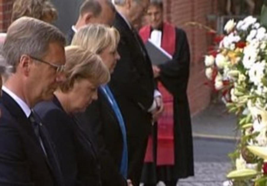 German leaders remember Berlin Wall