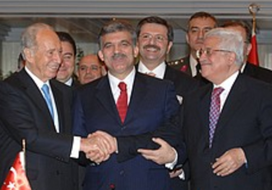 Abbas adviser: 'not a word' written of joint statement