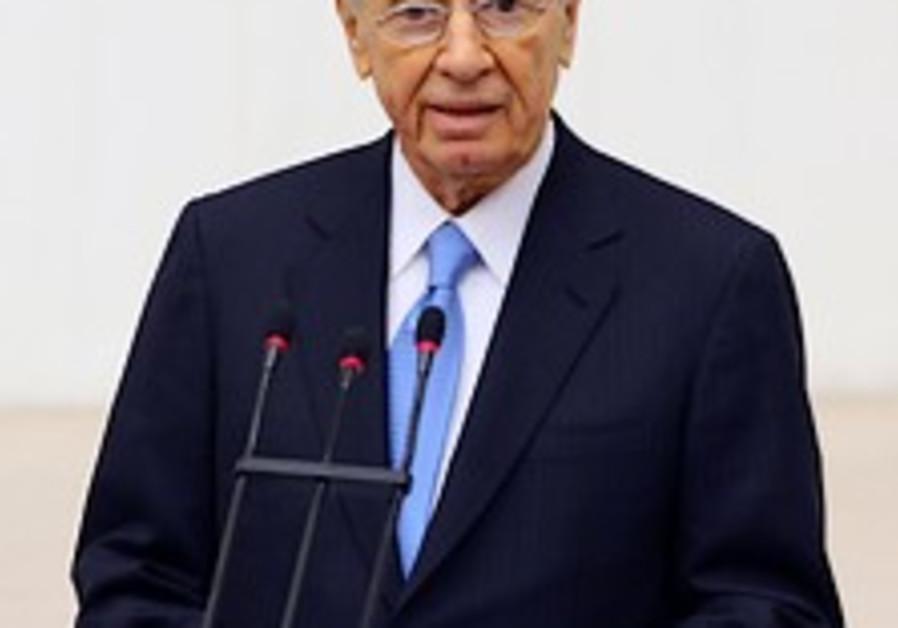 Peres in Ankara: Iran instills fear