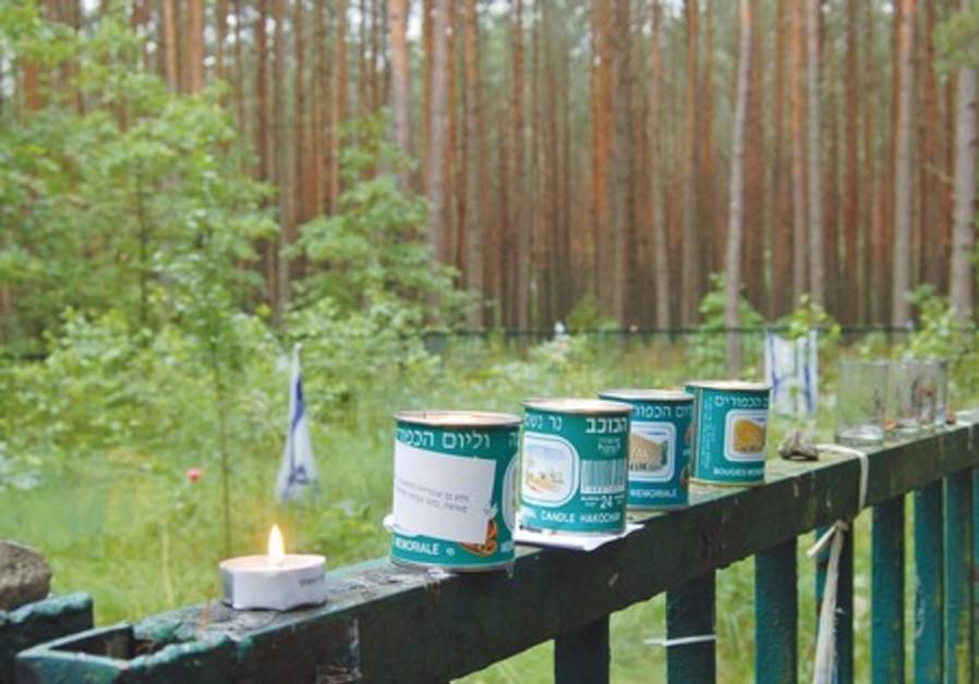 Rememberance candles outside Tykotzin