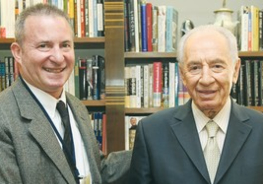 Jerusalem Post Editor in Chief Linde meets Peres