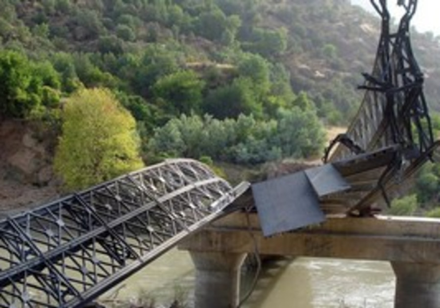 Iraqi bridge destroyed in Turkish airstrike