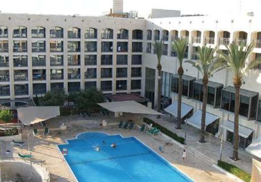 Golden Crown Hotel in Nazareth