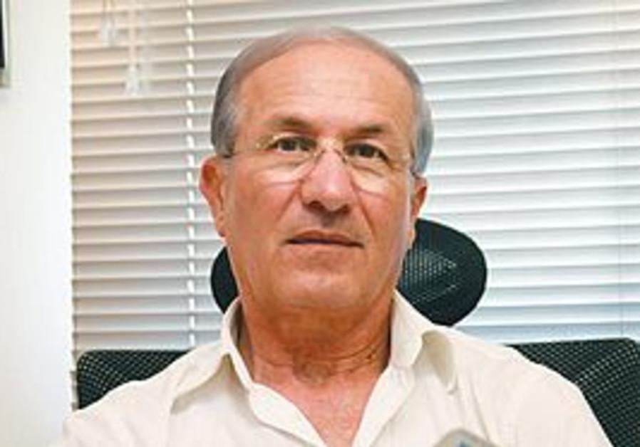 Retired Space Division head Haim Eshed