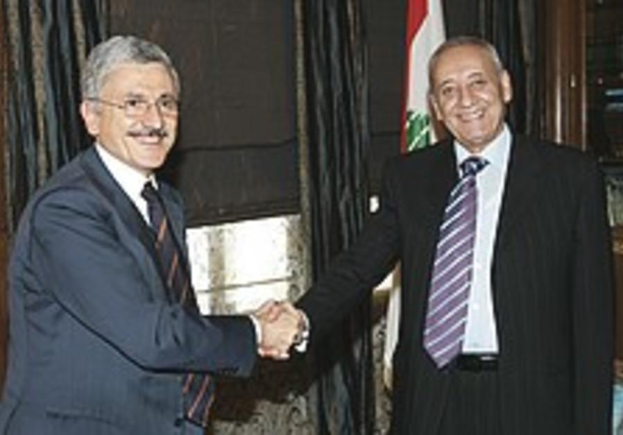 Italian FM calls for consensus in Lebanon to break presidential election deadlock