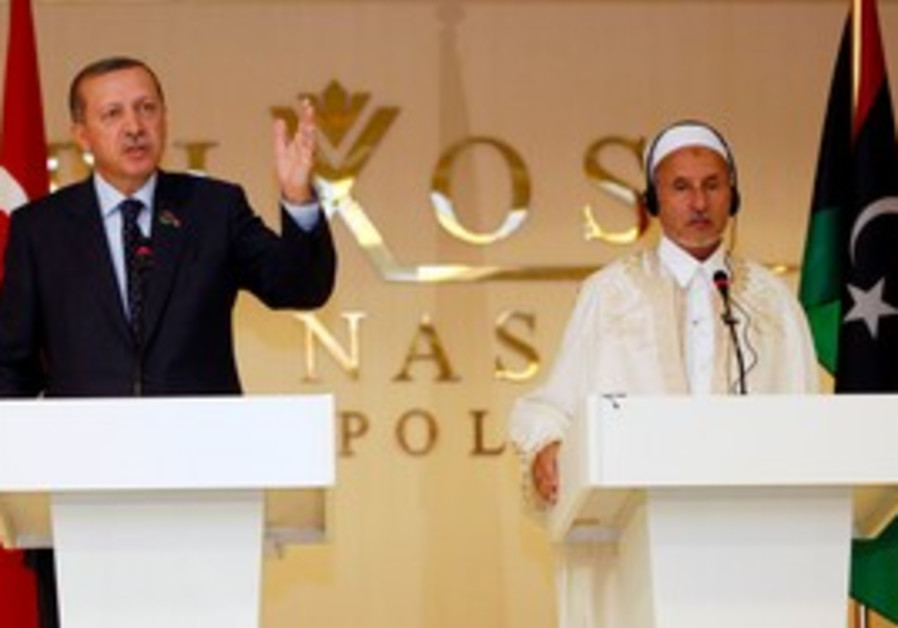 Erdogan in Libya with NTC leader Jalilin