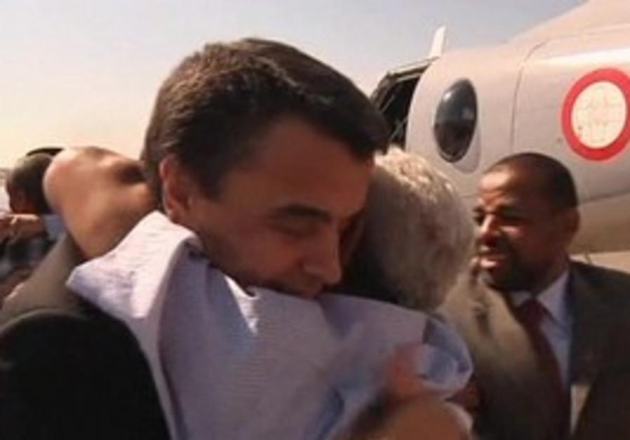 Libyan pilots return home.