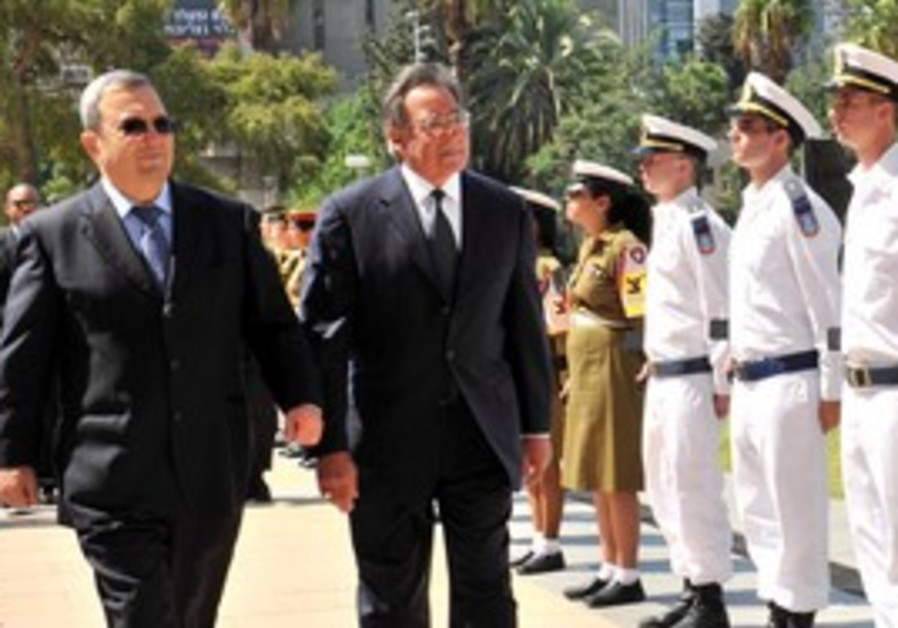 Ehud Barak and US SecDef Leon Panetta