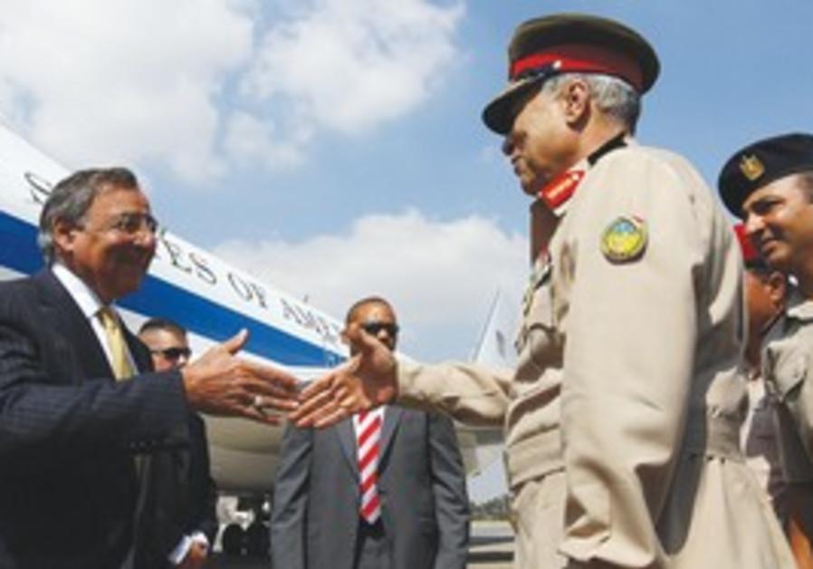US Defense Secretary Panetta, Egyptian Maj.-Gen.