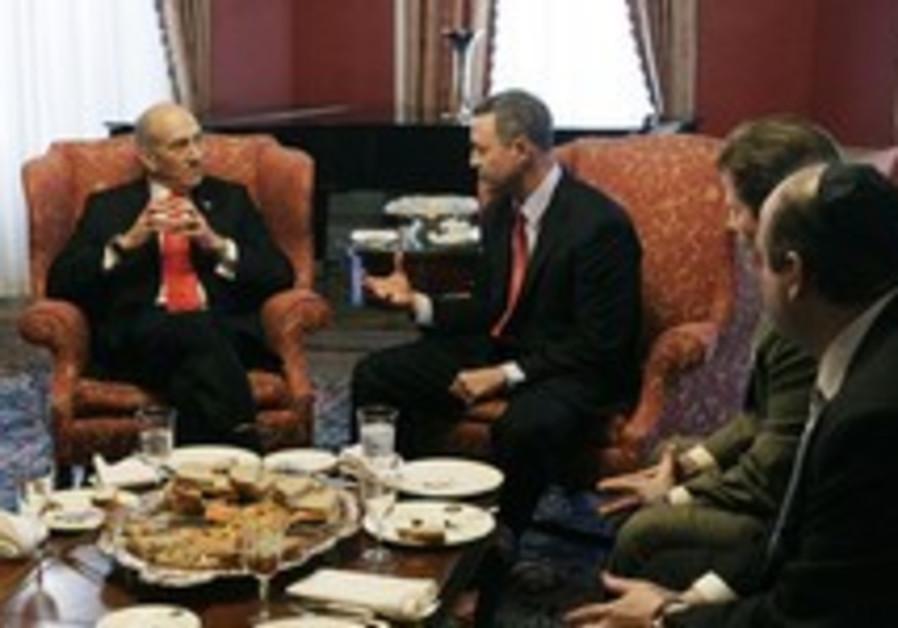 Olmert addresses concerns of US Jewish leaders