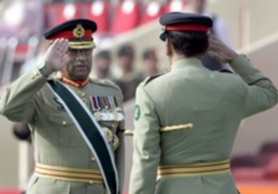 Musharraf sworn in as civilian president of Pakistan