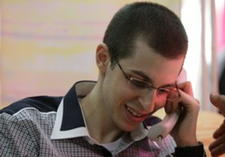 Gilad Schalit on phone to parents