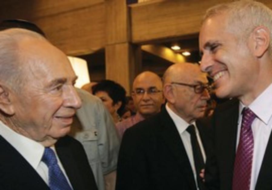 Architect Preston Scott Cohen and President  Peres