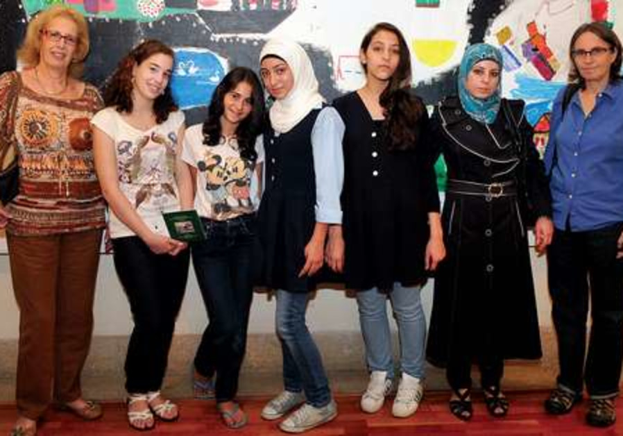 Israeli and Palestinian students 521