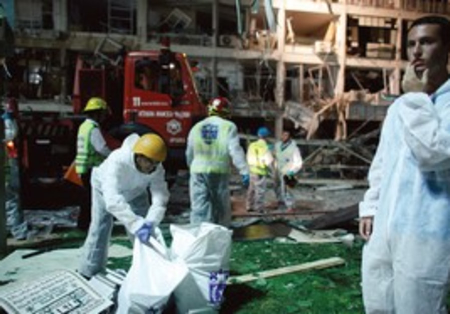 Rescue workers at Netanya gas explosion