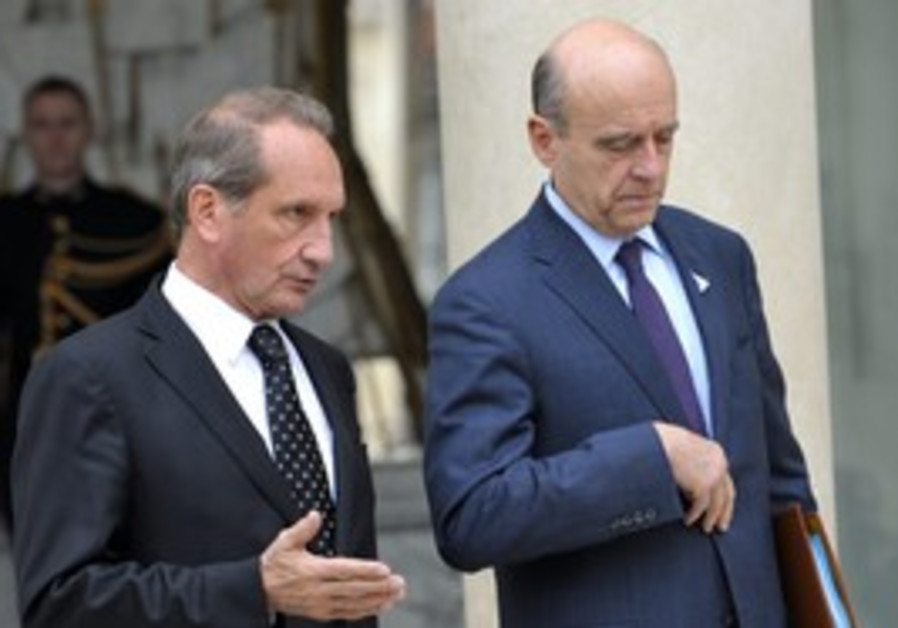 French Defense, Foreign M. Longuet, Juppe