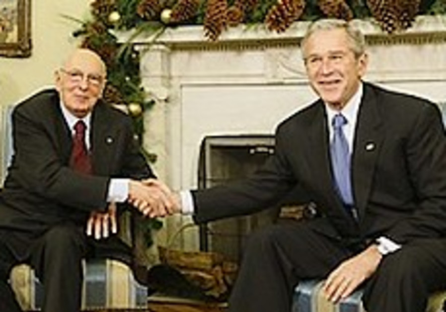 Bush calls on Iran to explain halted nuclear weapons program