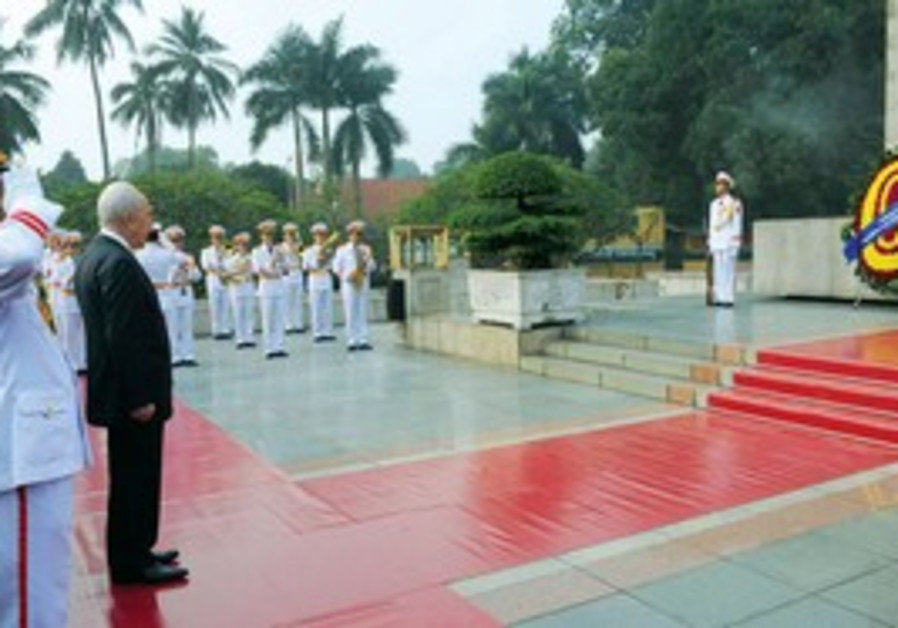 President Shimon Peres in Vietnam