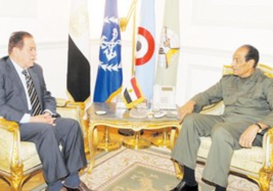 New Egyptian PM Kamal Ganzouri meets Tantawi