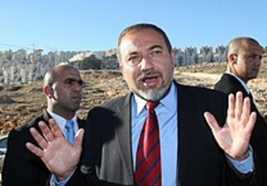 Lieberman: Rice wrong for Har Homa criticism