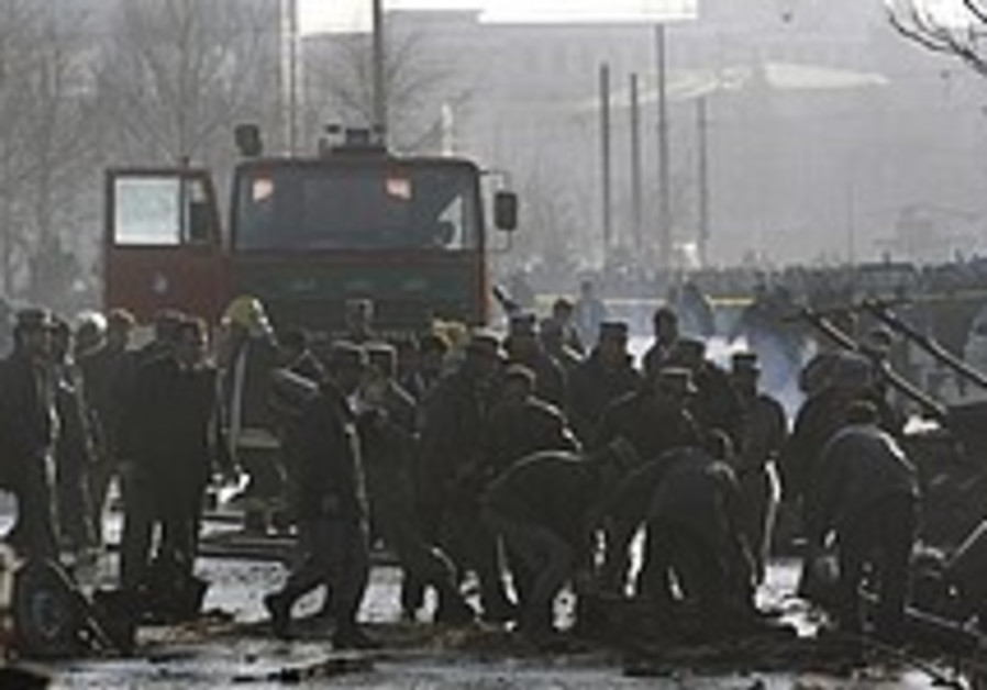 5 killed in explosion near Kabul police headquarters