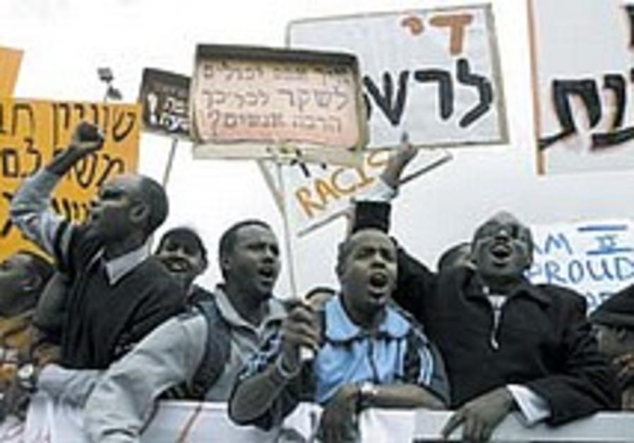 Ethiopians protest plan to cut aliyah