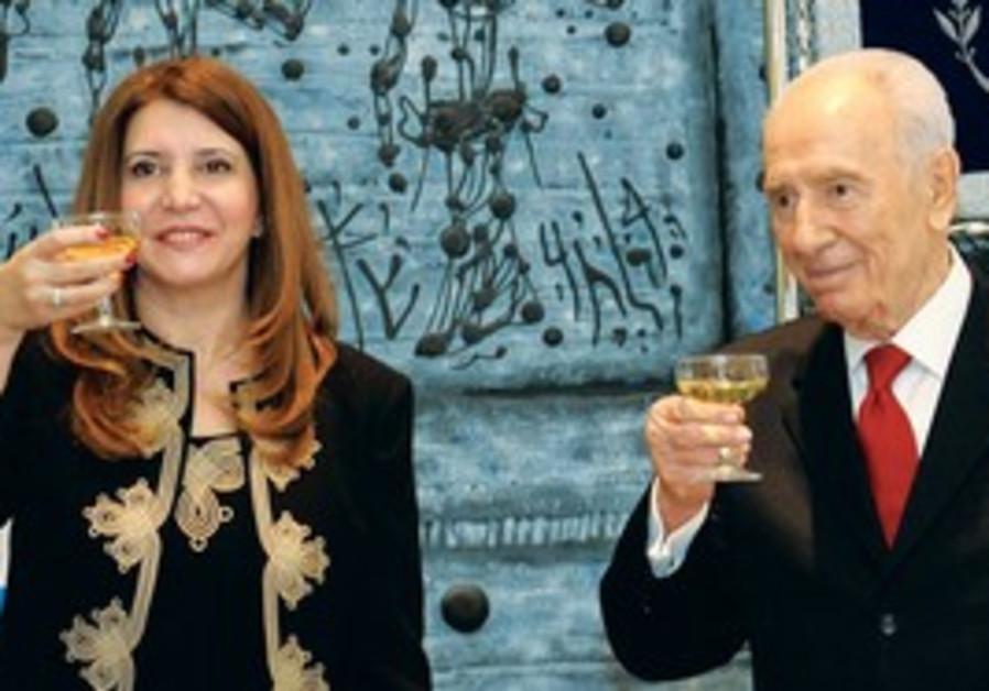 Shimon Peres and new ambassador