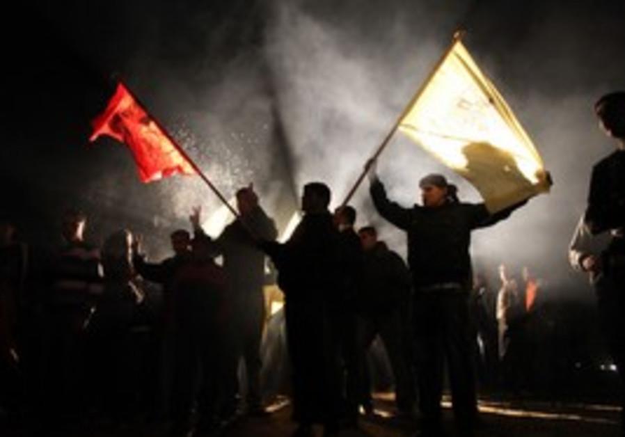 Palestinians celebrate prisoner release in Gaza