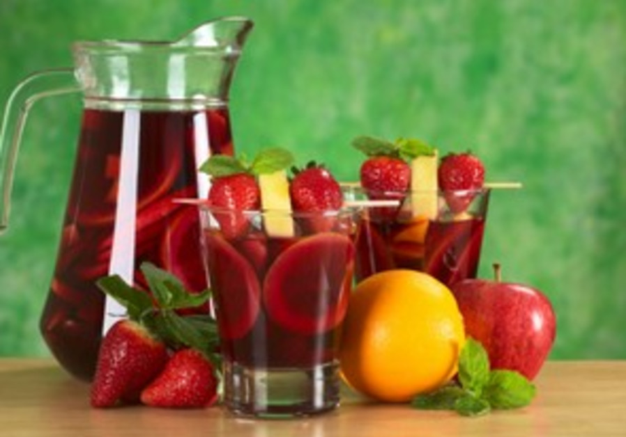 Refreshing fruit sangria with spunk