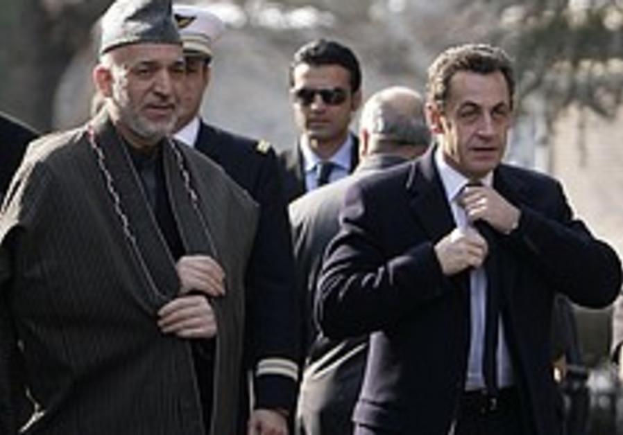 Sarkozy meets Karzai in Kabul