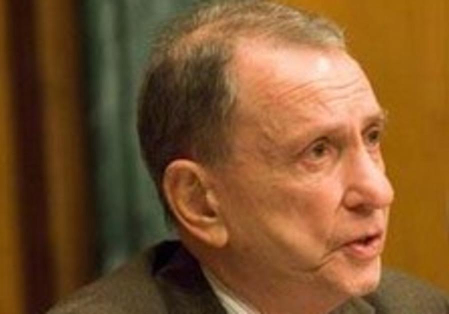 Arlen Spector says Obama should free Pollard