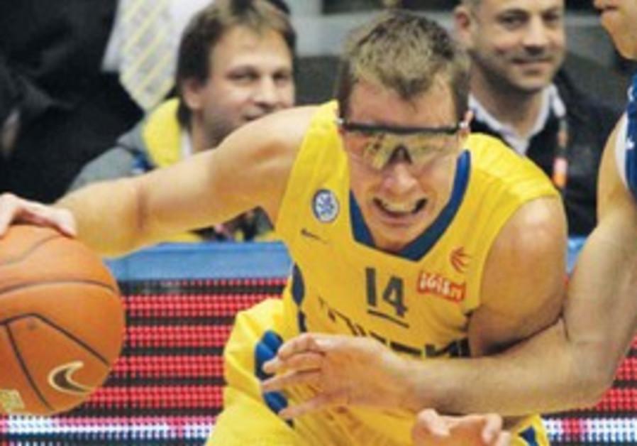 JON SCHEYER of Maccabi Tel Aviv