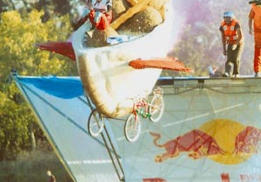 Flying falafels at Red Bull Flugtag 298