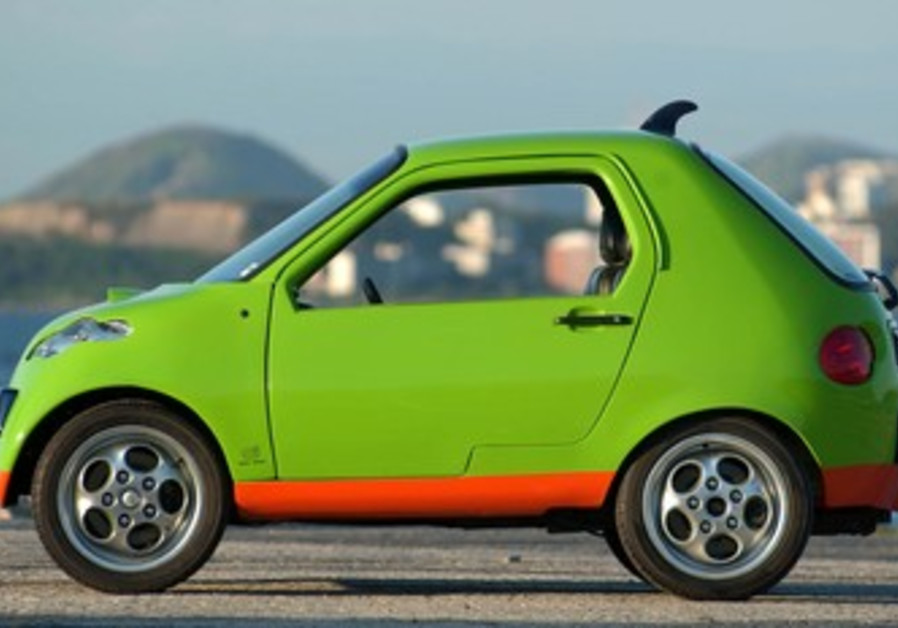 Brazilian mini-car can run on gasoline, ethanol