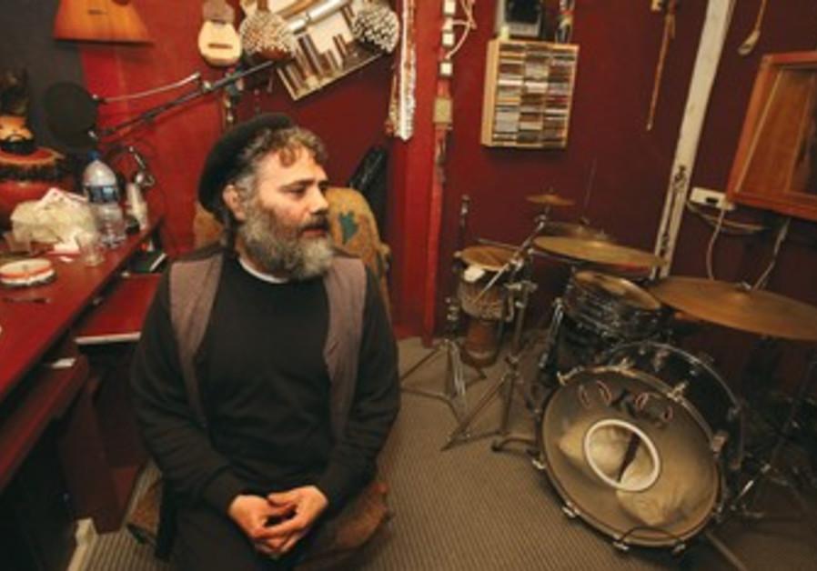 Latin klezmer singer Yehuda Glantz