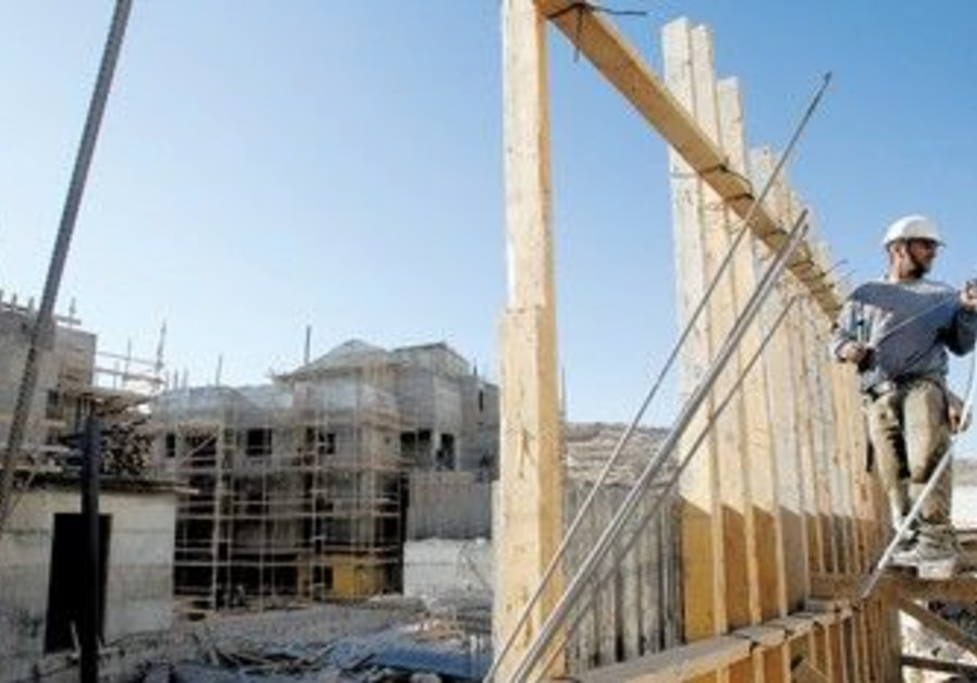 Palestinian construction worker in Har Homa