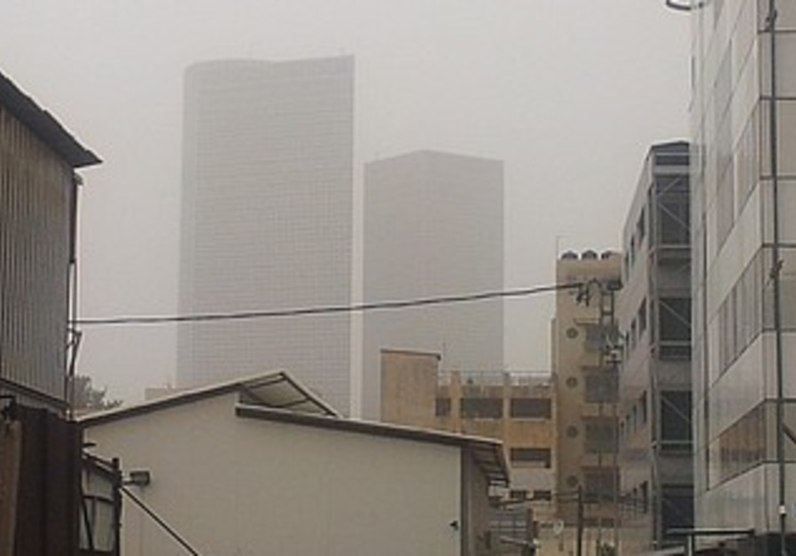Tel Aviv in Dust Storm (file).