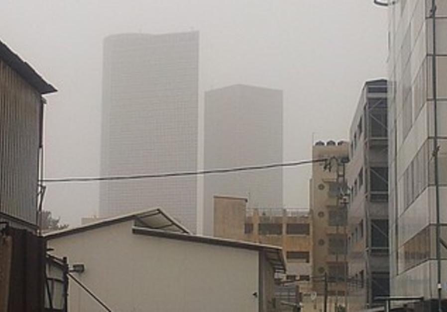 Tel Aviv in Dust Storm (file).