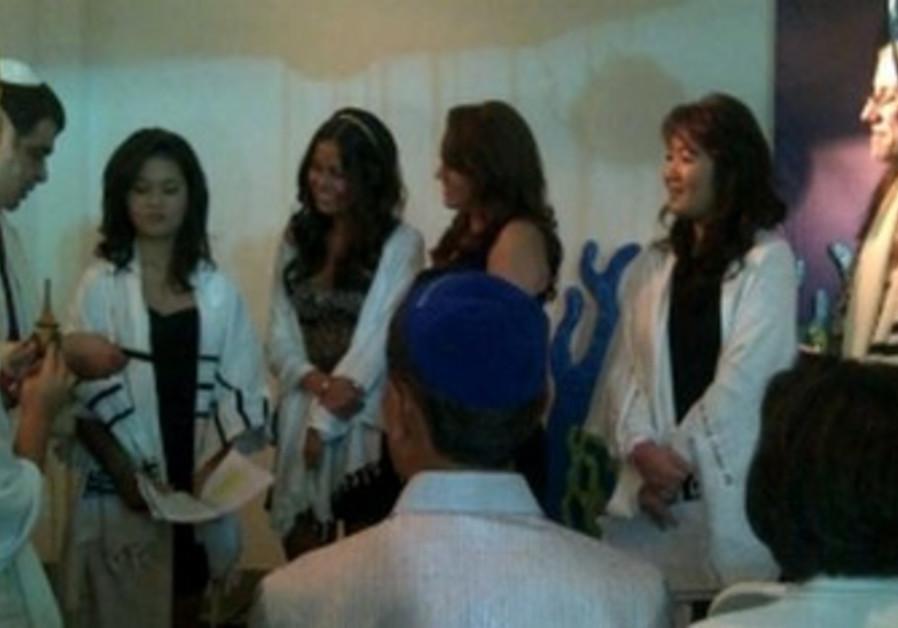 Mei Lin Kellman celebrates bat mitzvah in Jakarta