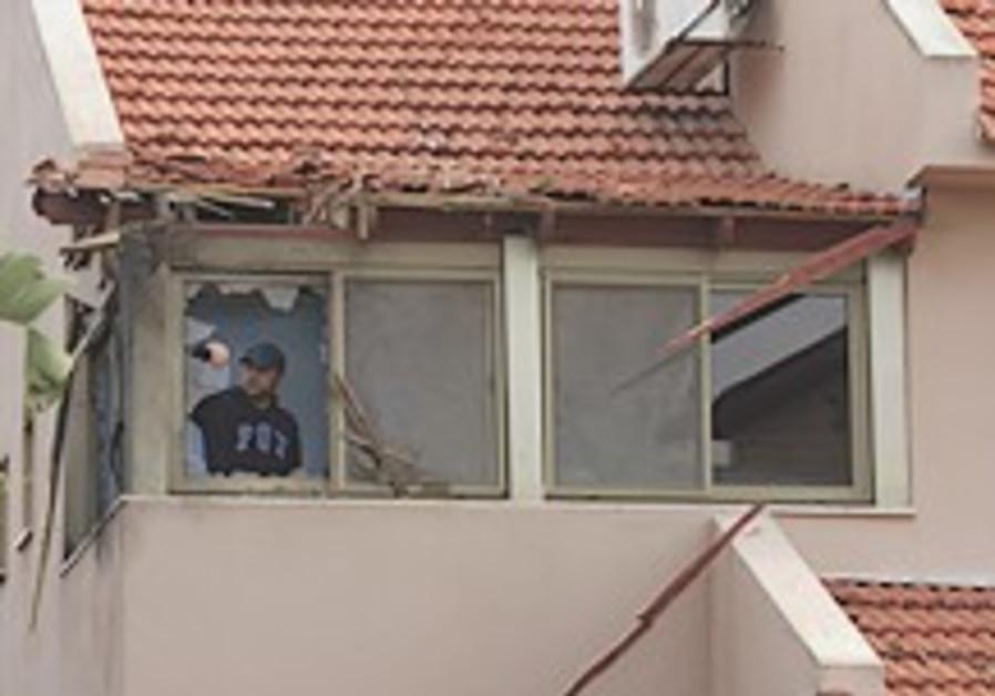 Kassam rocket hits house in sderot israel jerusalem post for House hits 88