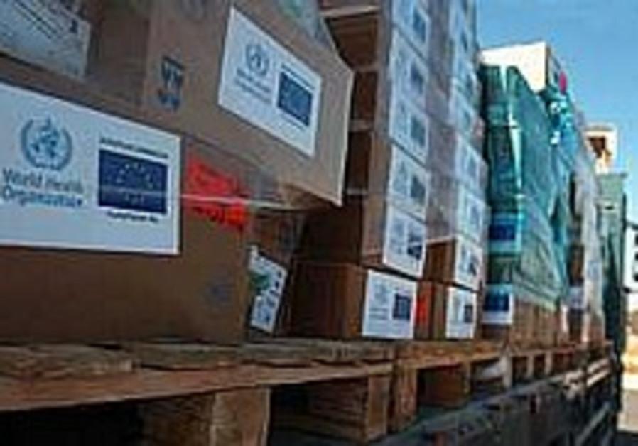 Israel lets humanitarian aid into Gaza