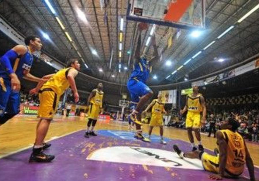 Hapoal Holon and Maccabi Tel Aviv