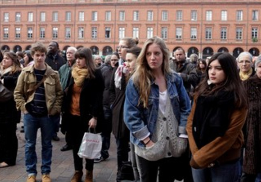 Moment of silence observed in Toulouse
