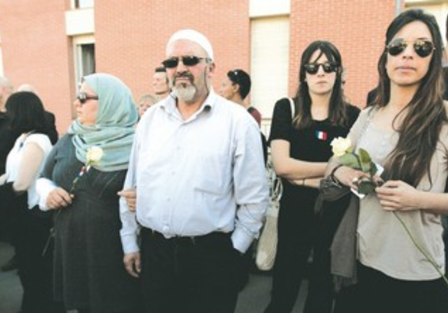 Muslims attend march honoring  Toulouse victims
