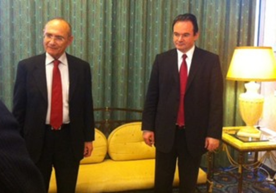 Landau with Greek counterpart Papaconstantinou