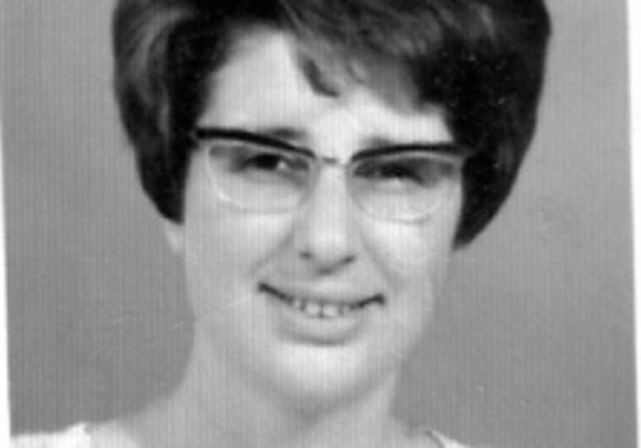 Veterans: Helga rosh, 73