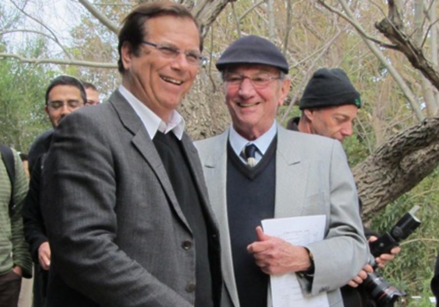 L-R: Efi Stenzler and Eliezer Sheffler