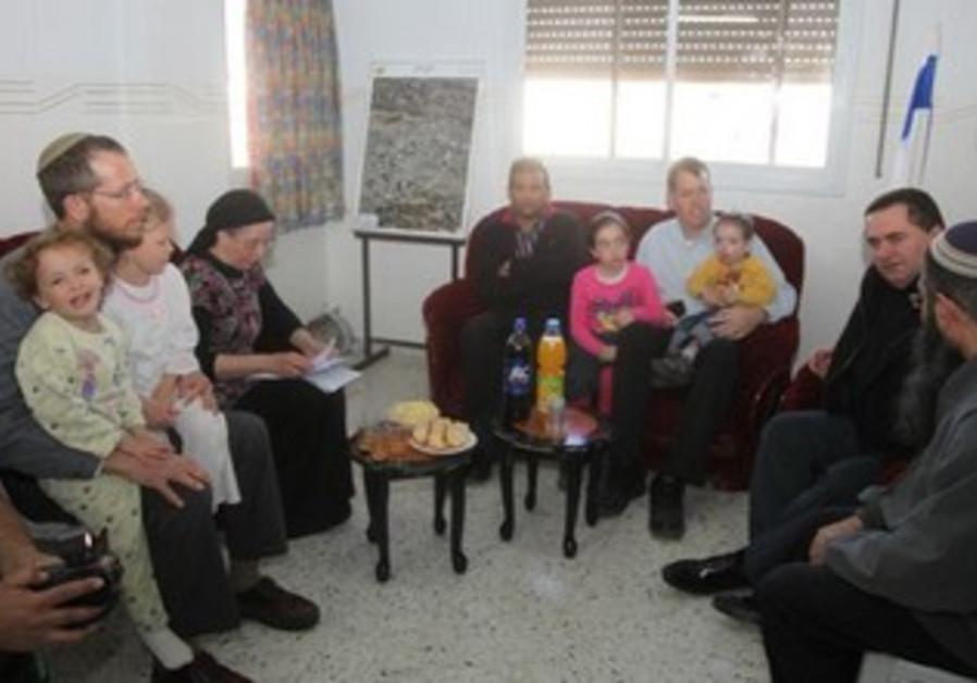 Families, Yisrael Katz in Hebron home