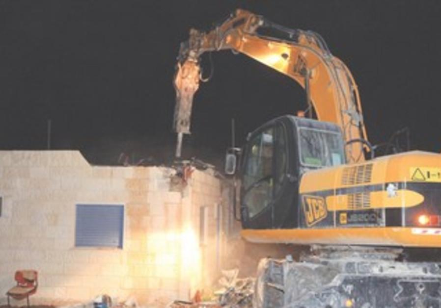 Migron home demolition in 2011